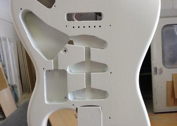 lorenzi-guitar-finishing-5